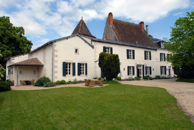 8 bed property for sale in St Aulaye, Dordogne, France