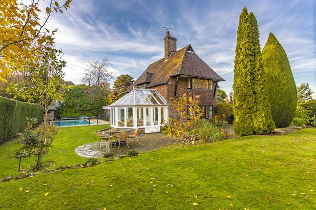 Thumbnail Detached house for sale in Bouverie Road, Chipstead, Coulsdon