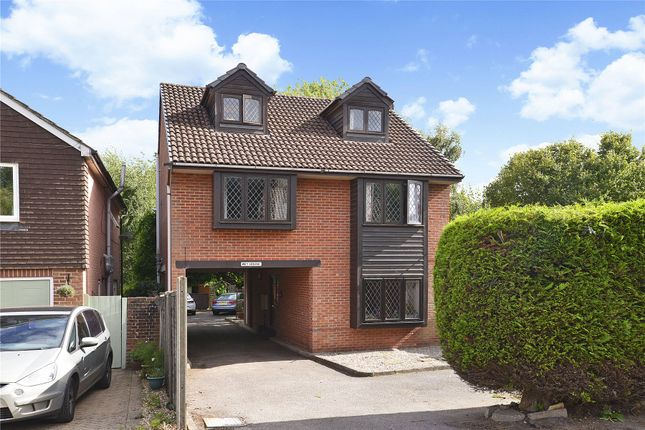 Picture No. 02 of 6 Yew Tree Road, Witley, Surrey GU8