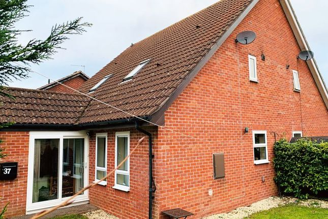 Thumbnail Terraced house to rent in Bluebell Close, Taunton