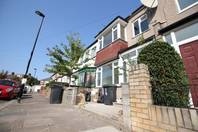 5 bed flat to rent in Saxon Road, Wood Green N22