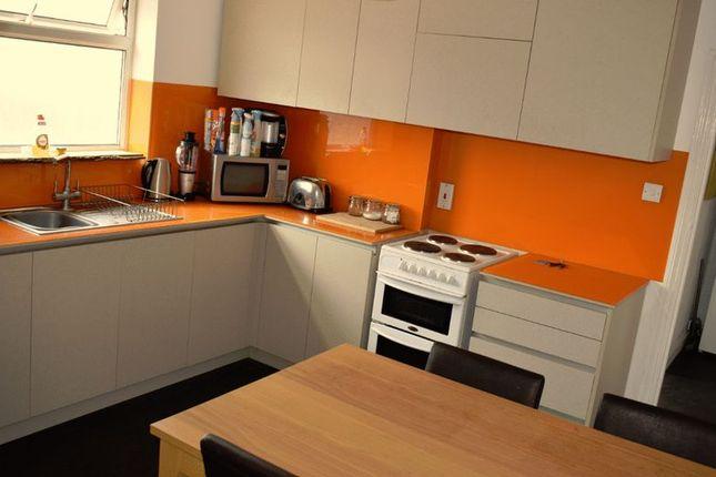 Thumbnail Flat to rent in London Road, Wallington