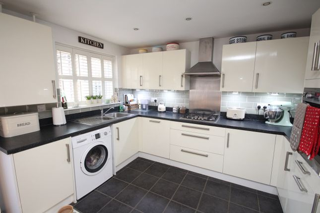 Thumbnail Semi-detached house for sale in Lindsell Avenue, Letchworth Garden City
