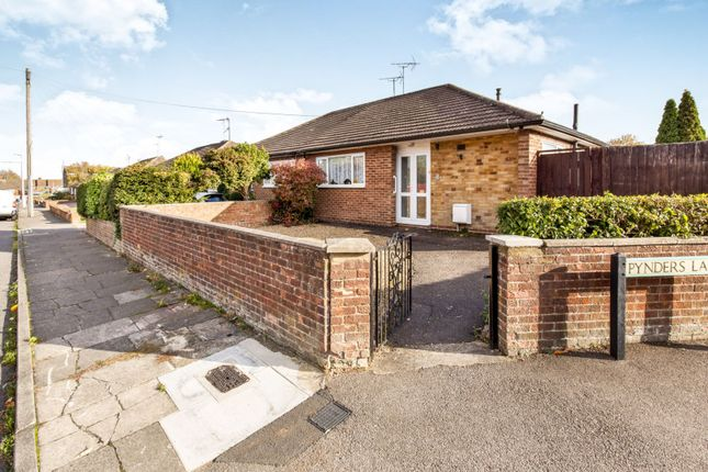 Thumbnail Bungalow for sale in Pynders Lane, Dunstable