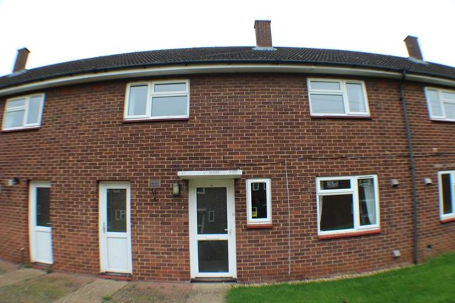 3 bed terraced house to rent in Morris Close, Henlow