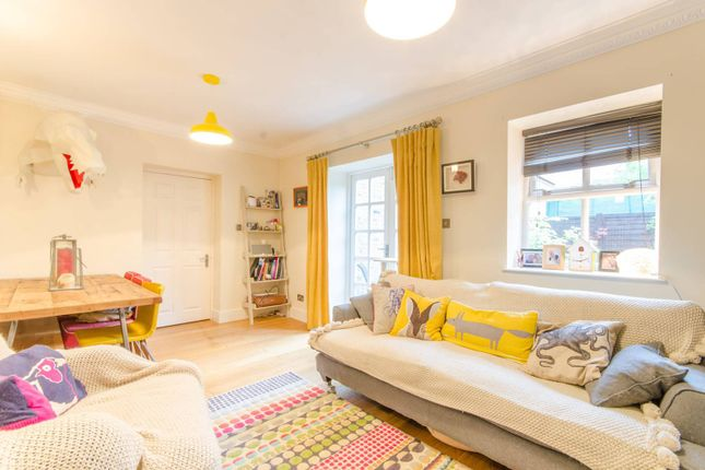 Thumbnail Flat for sale in Pennington Drive, Winchmore Hill