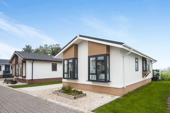 Thumbnail Bungalow for sale in Willowdene Home Park, Aston Cantlow Road, Wilmcote, Stratford-Upon-Avon