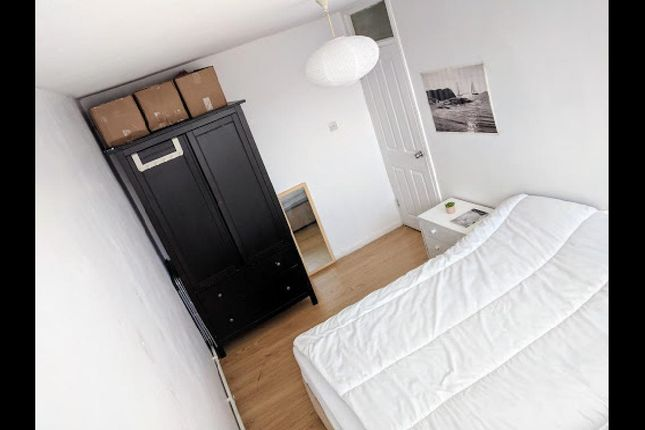 Thumbnail Flat for sale in Crondall Street, Hoxton Street, London