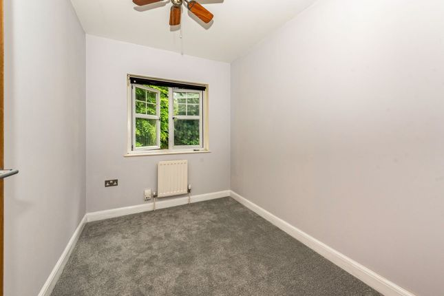 Bedroom of Gemmell Close, Purley CR8
