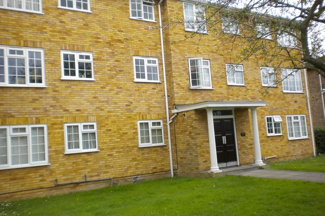 Thumbnail Flat to rent in Waters Drive, Staines