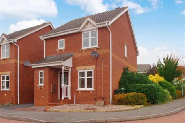 Link-detached house in  Marchwood Close  Redditch  West Midlands