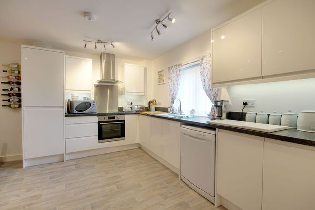 Kitchen of Forches Avenue, Barnstaple EX32