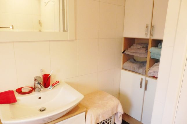 Family Bathroom of Margaret Road, Wombwell S73