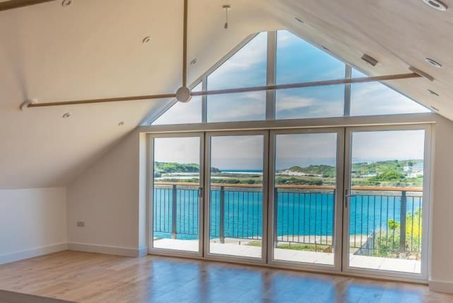 Thumbnail Flat for sale in Carnsew Road, Hayle, Cornwall