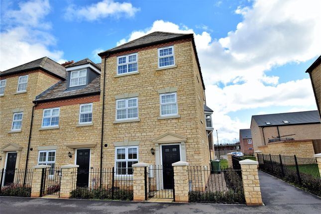 Thumbnail Detached house to rent in Langton Walk, Stamford