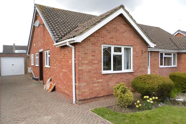 2 bed bungalow to rent in Corinium Way, Swindon