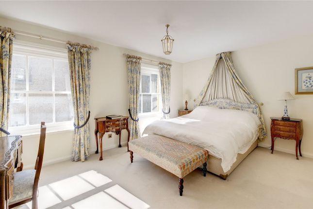 Picture No. 20 of Boscobel Place, Belgravia, London SW1W