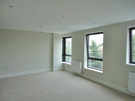 Thumbnail Flat to rent in Glenville Grove, New Cross