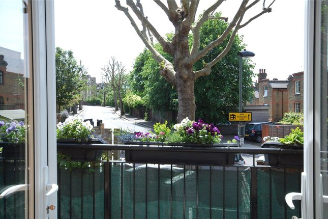 Picture No. 23 of Station Parade, Kew, Surrey TW9