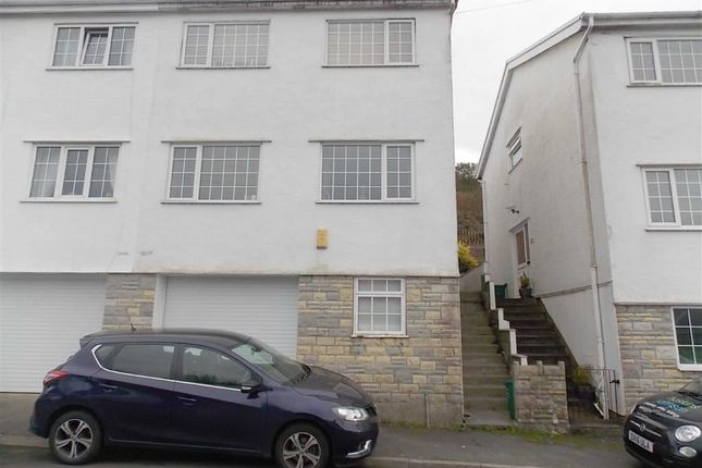 Thumbnail Town house to rent in Kensington Drive, Porth
