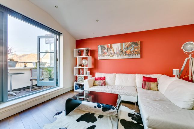 2 bed flat for sale in Shorrolds Road, Fulham, London