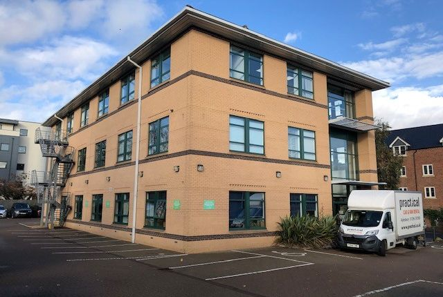 Thumbnail Office to let in Great North Road, Hatfield
