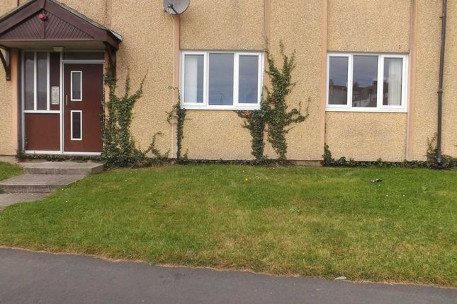 Thumbnail Flat to rent in Waterside, Holyhead