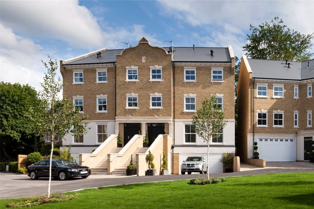 Thumbnail Property for sale in Beechcroft Close, Sunninghill, Berkshire