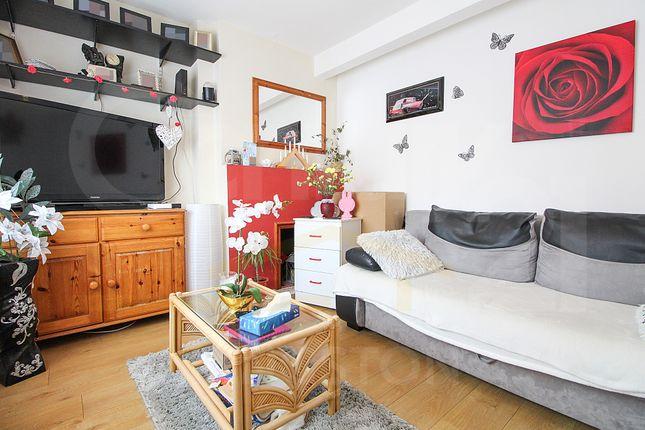 Thumbnail Terraced house to rent in Addison Gardens, Surbiton, Surrey