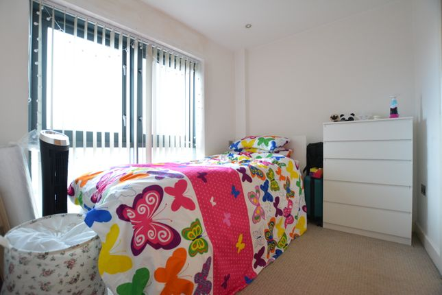Bedroom of The Habitat, Woolpack Lane, Nottingham NG1