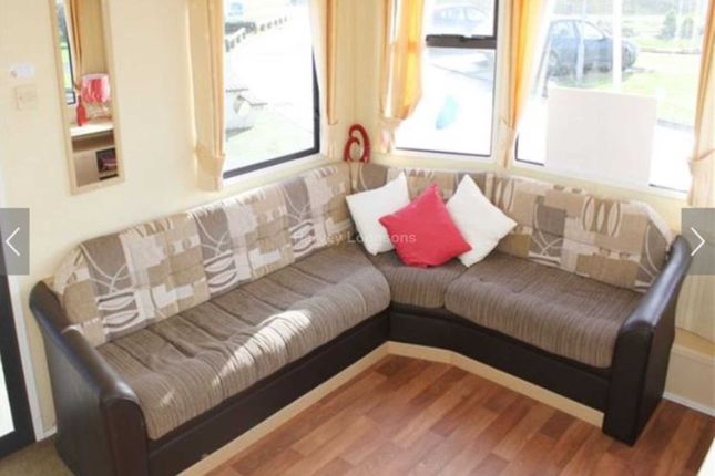 3 bed mobile/park home for sale in Waxholme Road, Withernsea