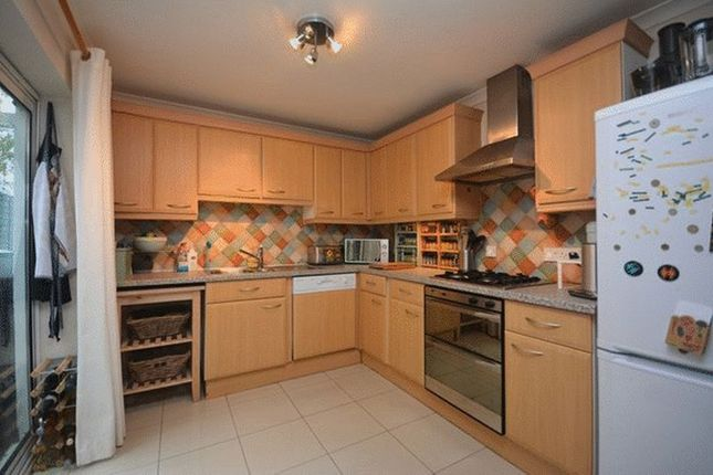 Terraced house to rent in Bath Street, Inner Avenue, Southampton