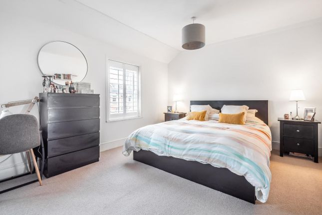 Bedroom of Rushes Road, Petersfield GU32