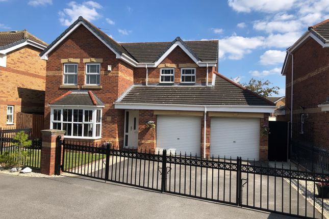 Thumbnail Detached house for sale in Weald Park, Kingswood, Hull