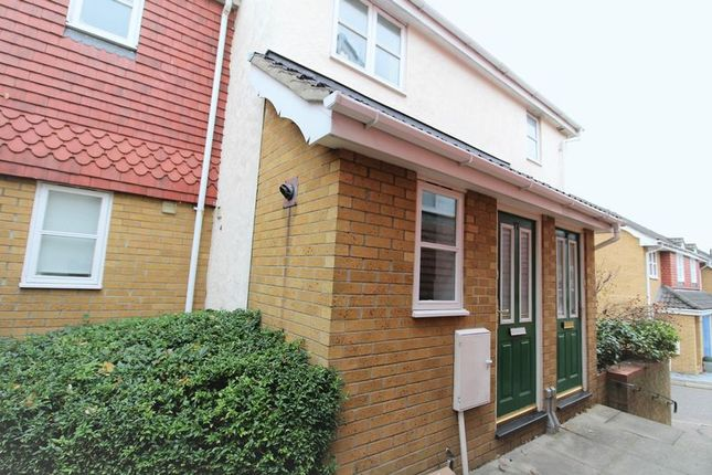 Thumbnail Flat to rent in Kings Chase, Brentwood