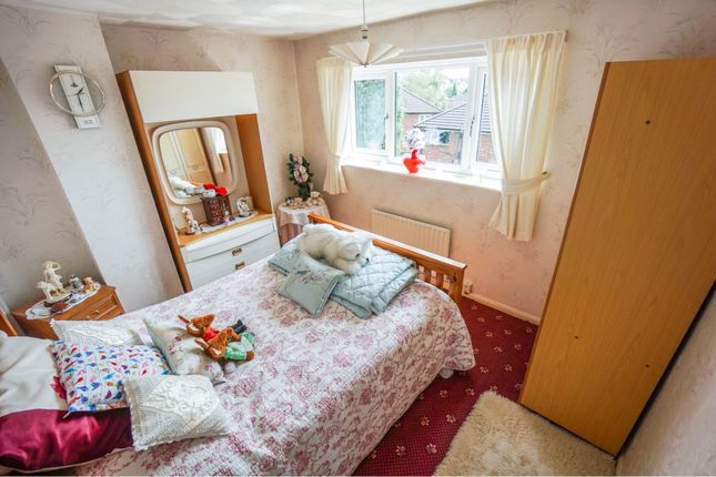 Bedroom of Musk Lane West, Dudley DY3