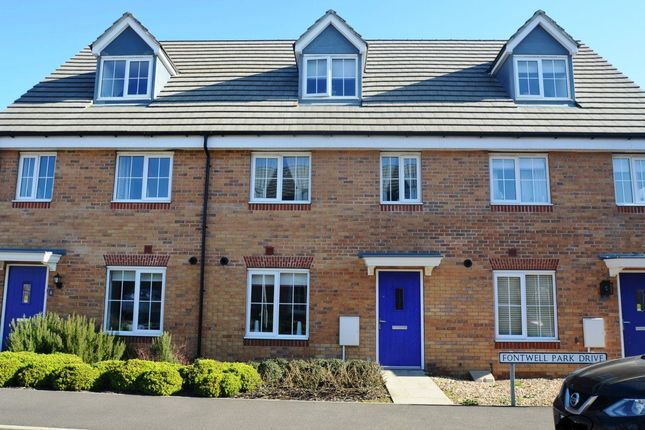 Thumbnail Property to rent in Fontwell Park Drive, Bourne