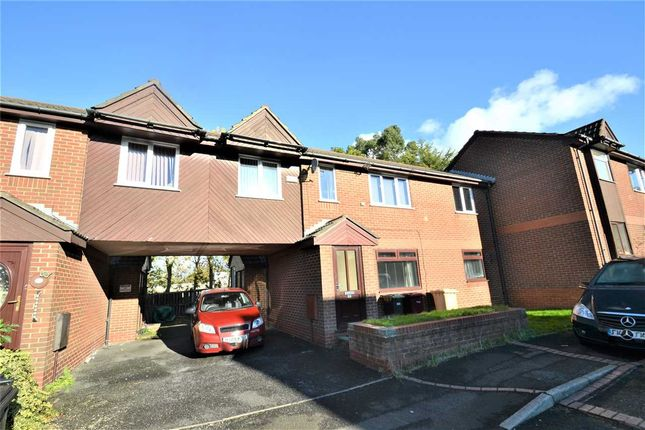 2 bed flat to rent in Ivanhoe Court, Moses Gate, Bolton BL3
