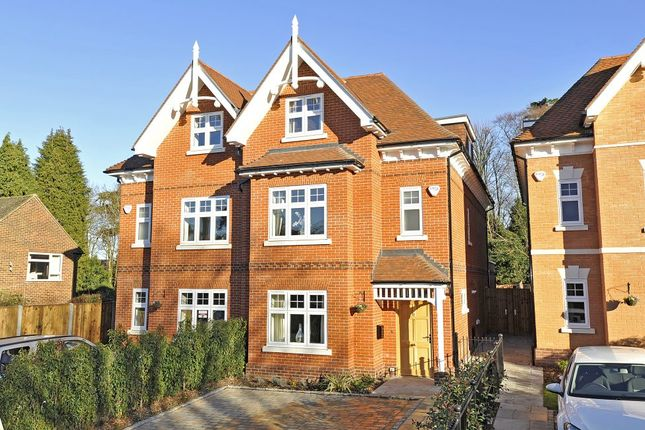 Thumbnail Town house to rent in Cranley Road, Guildford