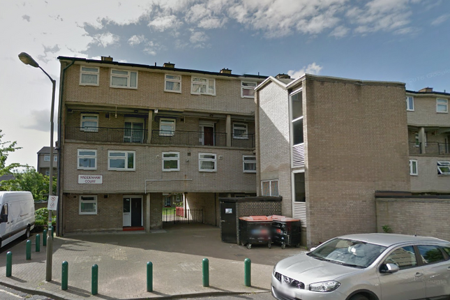 Thumbnail Flat to rent in Haddenham Court, Hazelhurt Road, Earlsfield