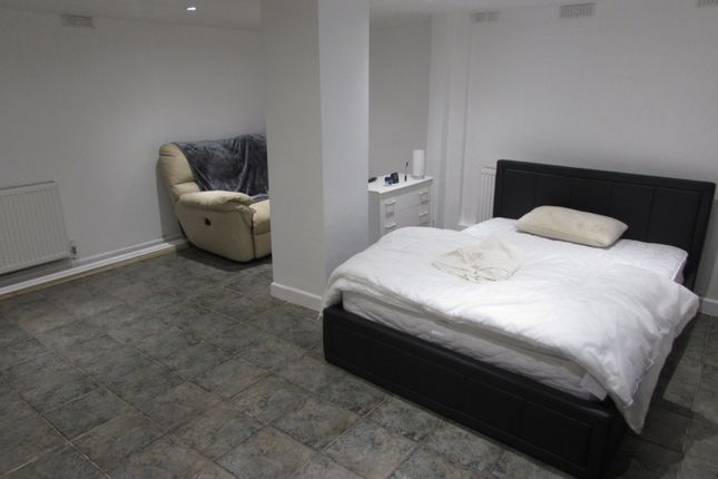 Thumbnail 1 bed flat to rent in Market Street, Wisbech