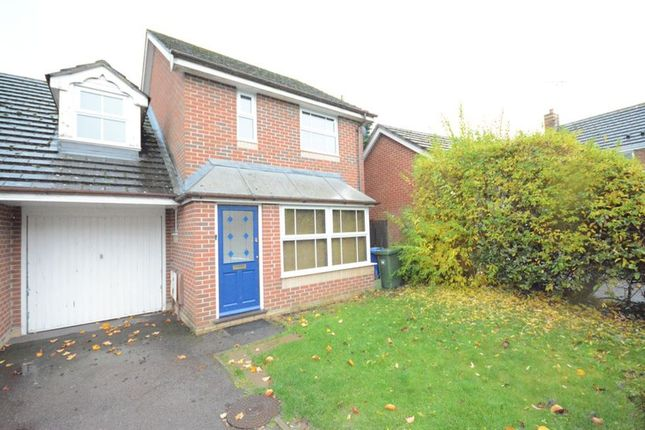 Thumbnail Link-detached house to rent in Culvercroft, Binfield, Bracknell
