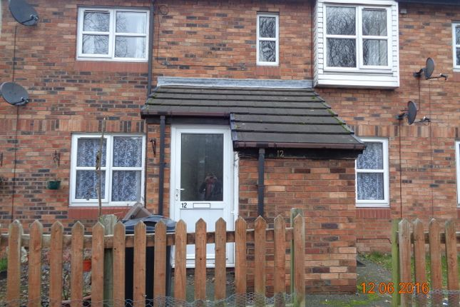 Thumbnail Flat to rent in Lakehouse Close, Weaverham, Cheshire