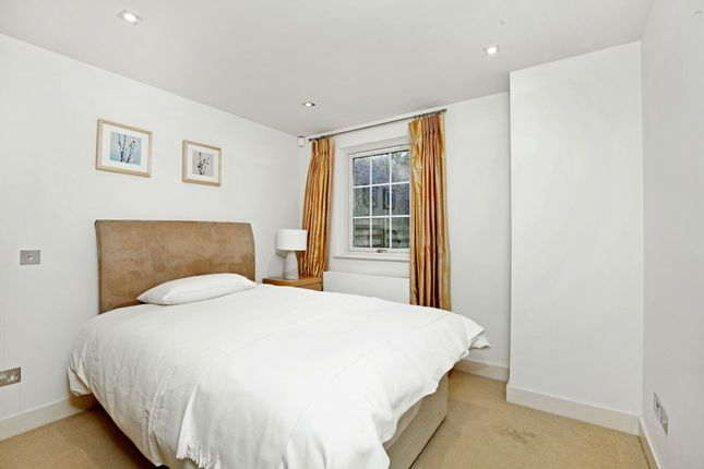 Bed 1 of Court Road, Maidenhead SL6