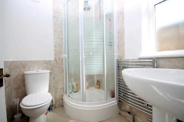 En-Suite of Hereford Court, Holland-On-Sea, Clacton-On-Sea CO15
