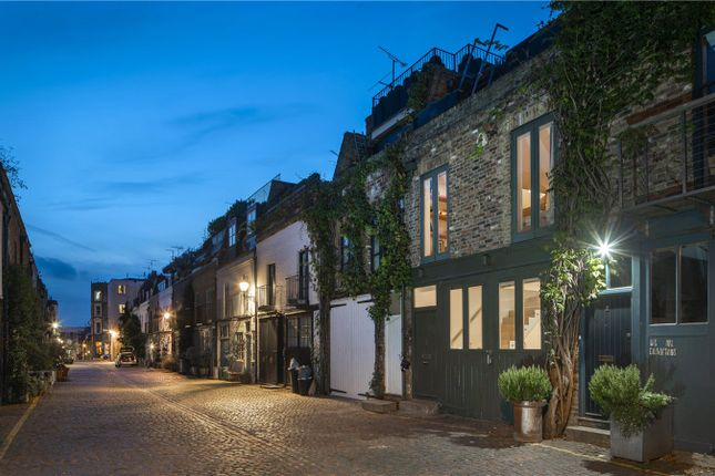 Thumbnail Mews house for sale in St Lukes Mews, Notting Hill, London