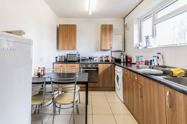 Thumbnail Flat to rent in Moreley Street, London