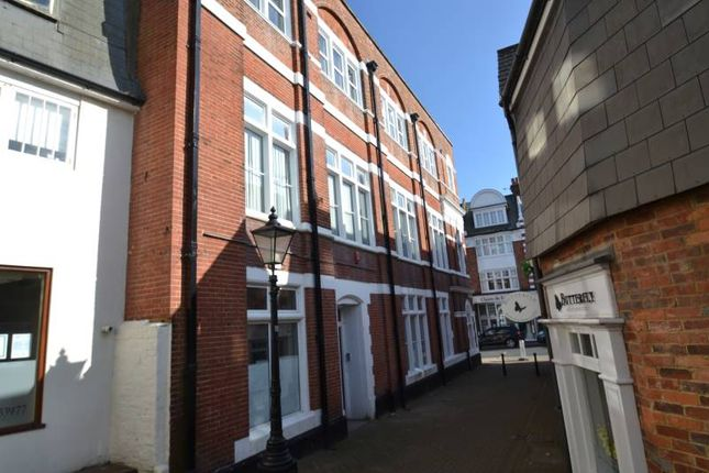 Thumbnail Flat to rent in Calverley Walk, Eastbourne