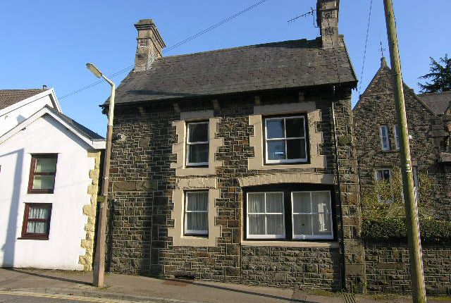 Thumbnail Cottage to rent in Tyfica Road, Graigwen, Pontypridd