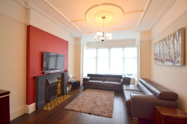 Thumbnail Detached house to rent in Nether Street, West Finchley, Finchley, London